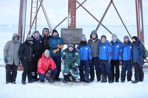 Ministro Costa alle Svalbard con delegazione CNR