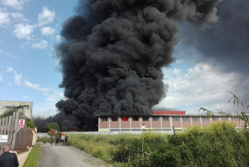 Fire at the waste depot in Pomezia